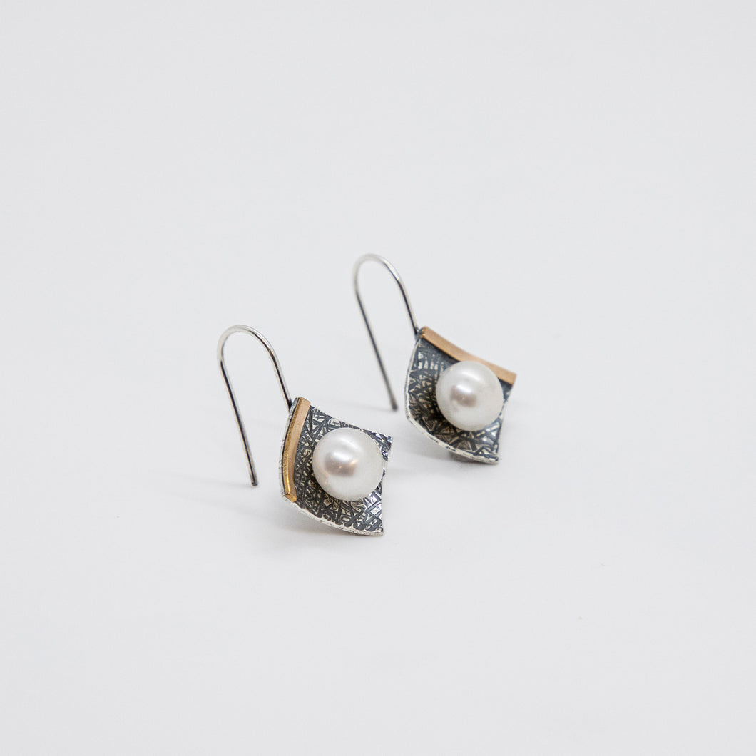 SQUARE EARRINGS WITH 14KGF AND PEARL