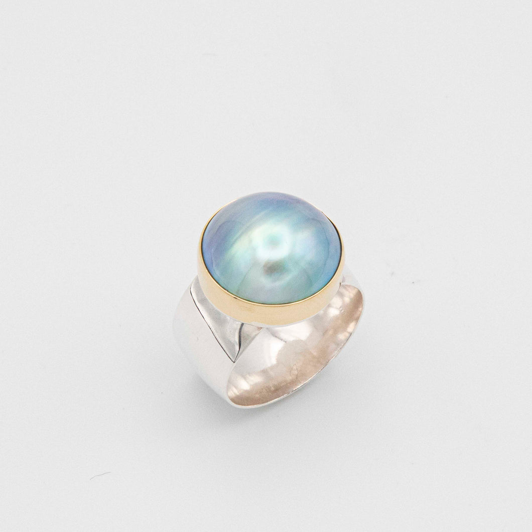 WIDE BAND MABE PEARL RING