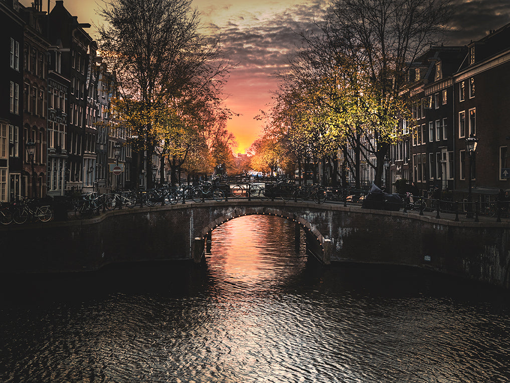 Gosse Bouma 'Sunset over Leidsegracht'