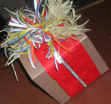 Load image into Gallery viewer, Our Custom Gift Wrapping (per item)