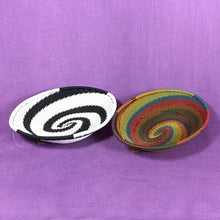 Load image into Gallery viewer, Telephone Wire Small Oval Baskets - 2 color patterns