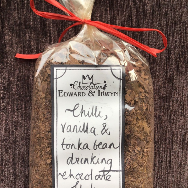 Edward & Irywyn Chilli, Vanilla & Tonka Bean Hot Chocolate Flakes - 200g