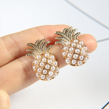Load image into Gallery viewer, Pineapple Pearl Earrings