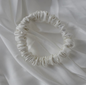 Small Pure Silk Scrunchie - Ivory