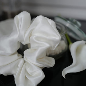 Large Pure Silk Scrunchie - Ivory