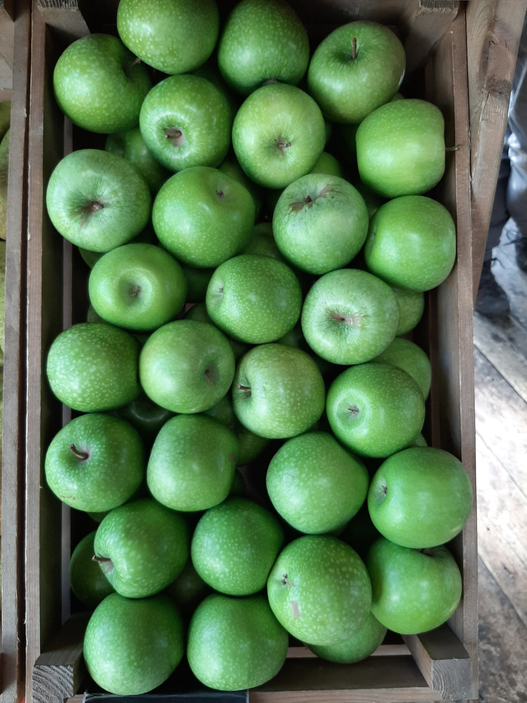 Apple /s (Granny Smith) available as  Singles or x3