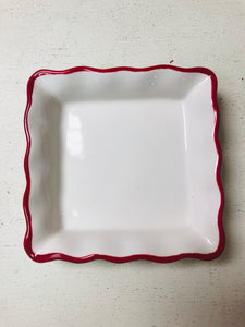 Red and White Dishette