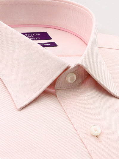 The Tom Pink Oxford Shirt in City Tailored Fit, features spread collar and plain front