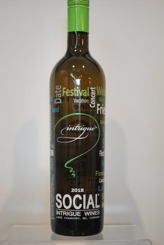 Intrigue Social White