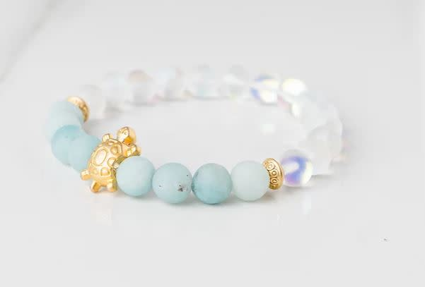 Gemlet 24K Gold Plated Turtle Aquamarine & Mystic Aura Quartz Go With The Flow & Clarity Bracelet Medium