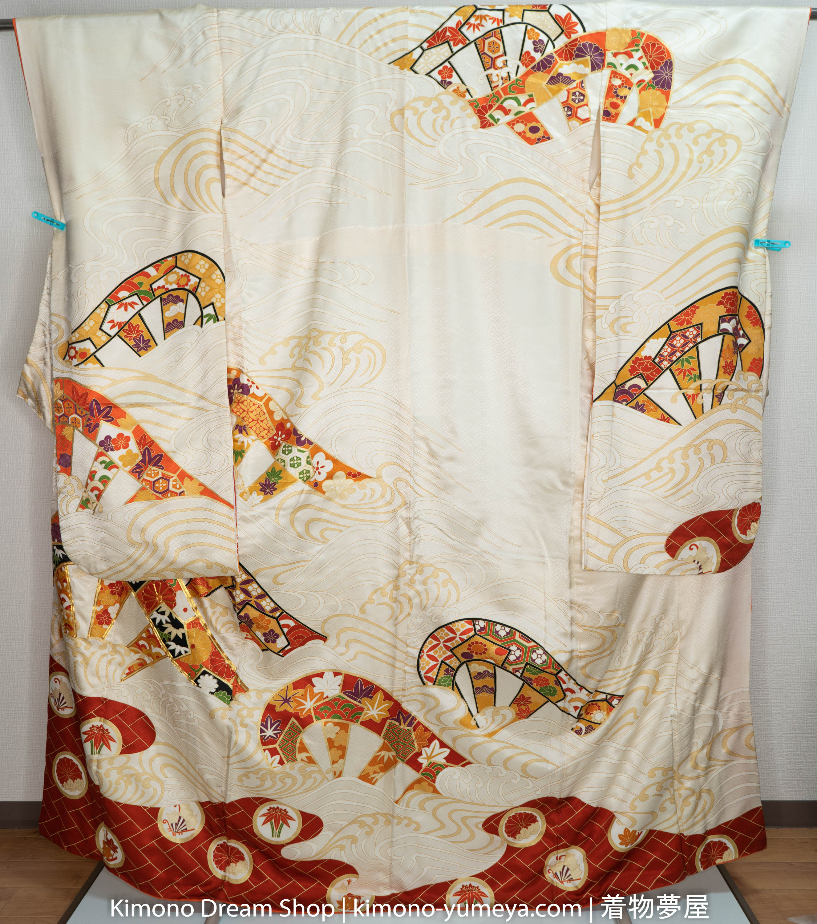 Mixture of Traditional Patterns Furisode - Beige Red Great Wave off Kanagawa - Vintage Silk Kimono