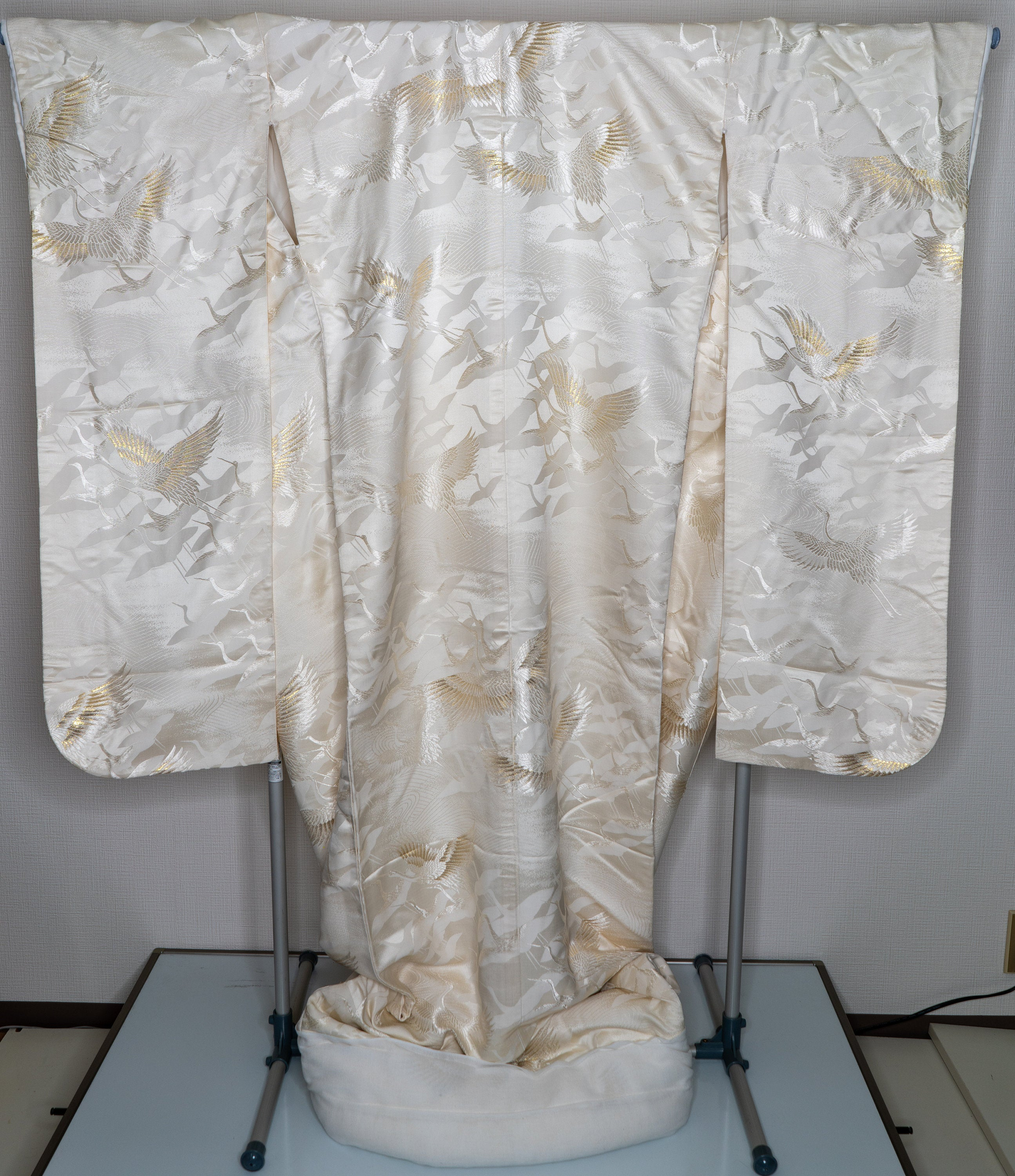 Vintage Shiromuku Uchikake Wedding Kimono - Long Heavy Silk Japanese Bridal Dress