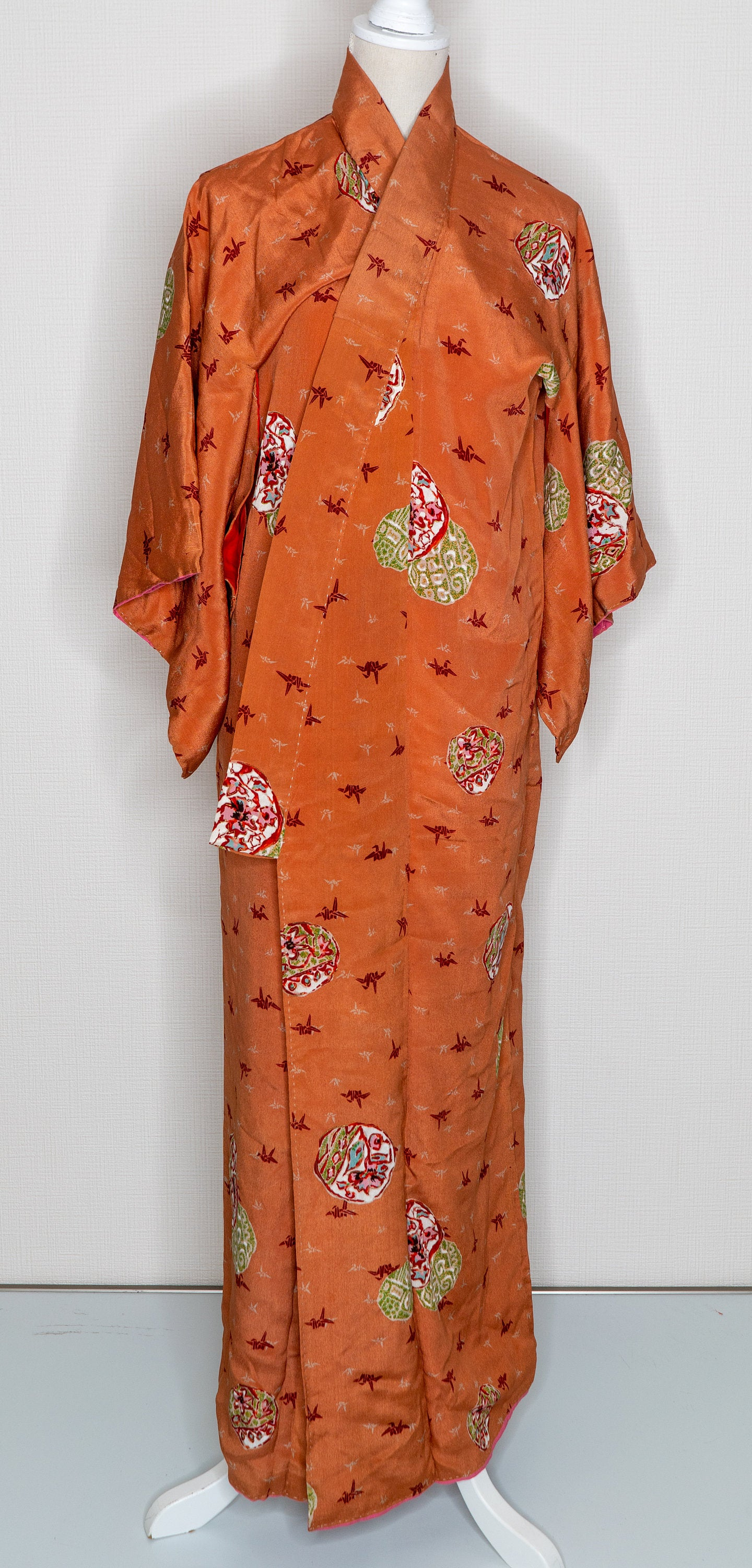 Orange Paper Cranes Kimono - Vintage 1960s Retro Traditional Abstract Circle Maru Floral Designs