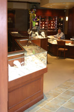 Load image into Gallery viewer, Lander Jewelers Braintree MA