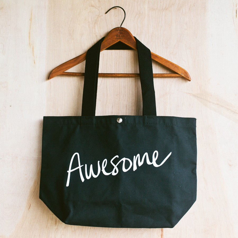 AWESOME TOTE in BLACK