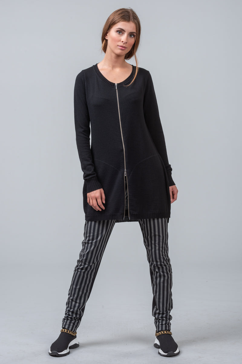 MATRIX - merino cardigan - black