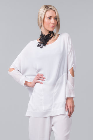 MILD-RED Vault Top - white loose fit summer top with cutout sleeves and side pockets