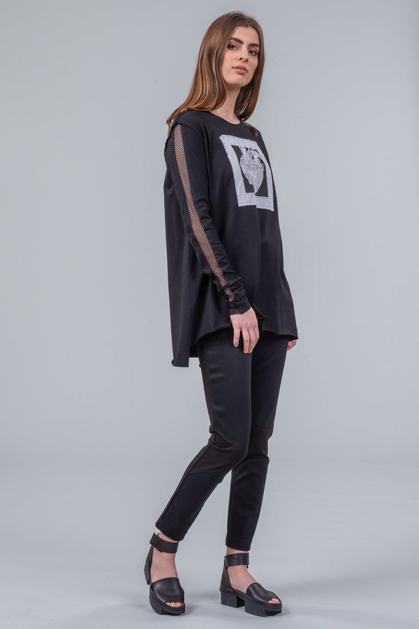 Loving Heart - long sleeve tee - black