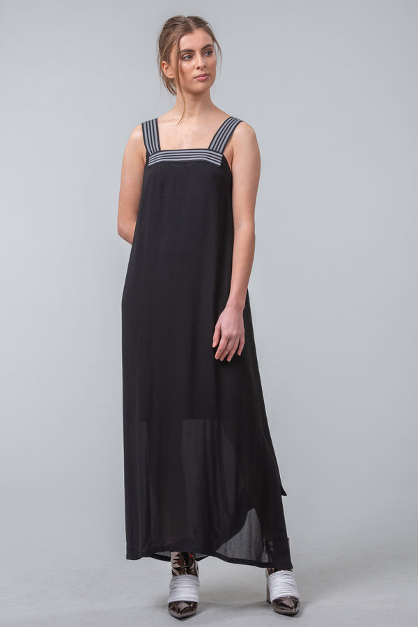 Minimalist Twist Dress - Black