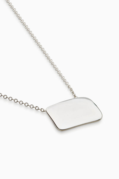 Curved Plaque Necklace | Silver