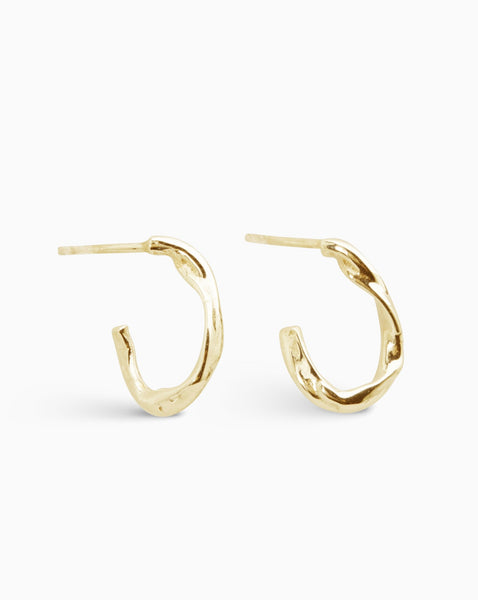 Wave Link Earrings | Gold