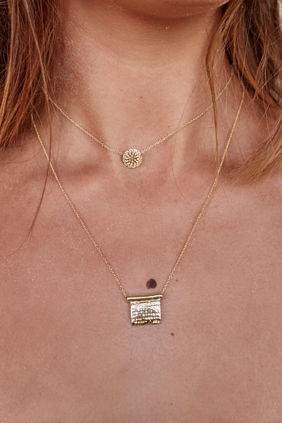 Linen Plaque Necklace | Gold
