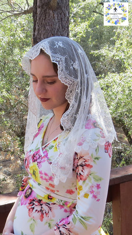 Chapel Veil | Ivory Point d'Esprit with Exquisite Venise Shell Trim | LM27 by Liturgical Time