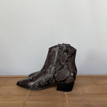 Lade das Bild in den Galerie-Viewer, Cowboyboot von Cafe Noir