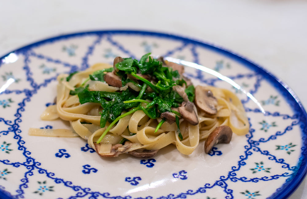 Fettuccine Pasta with Arugula and Mushrooms