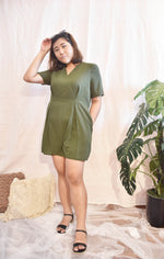 Load image into Gallery viewer, Plus Size Romper