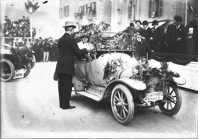 1912: Mademoiselle Cabien and her Peugeot