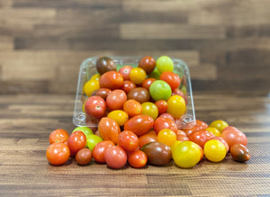 Tomato Heirloom Grape (clamshell) - fruitsandveggiess.com