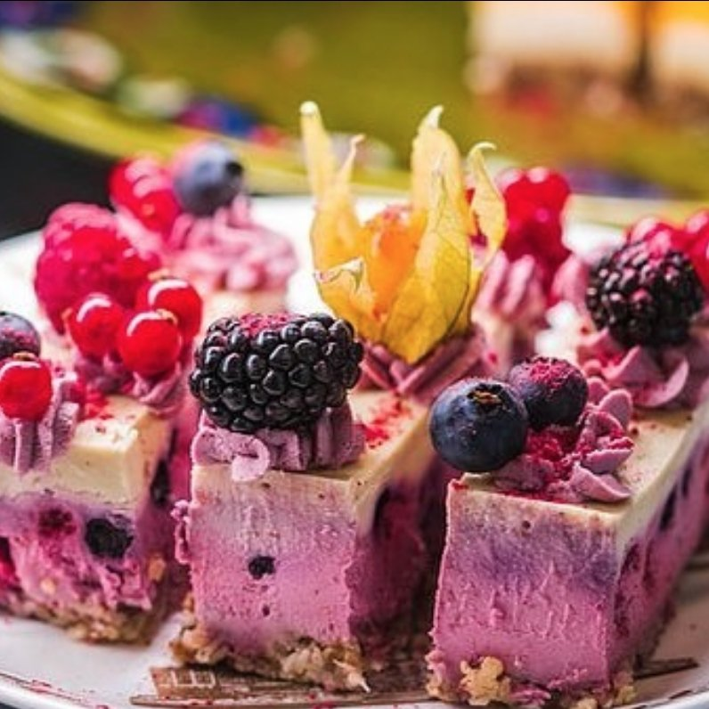 Raw blueberry cake | Marqt.no