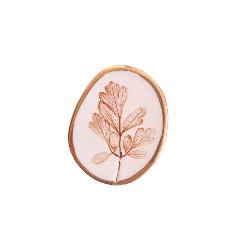 Wearable nature brooch - Marqt.no