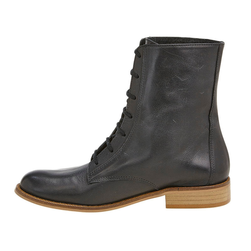 Frida Boot Black