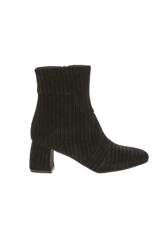 Ribbed Velvet Boot Black