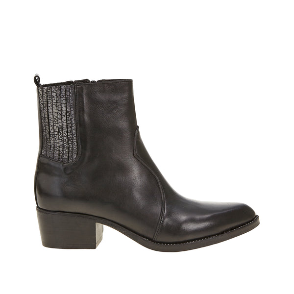 Wander Boot Black Metalic