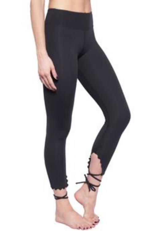 BESTOW SCALLOP LEGGING