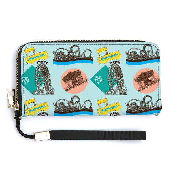 Retro Wildwood Women?s Wallet with Credit Card Holders