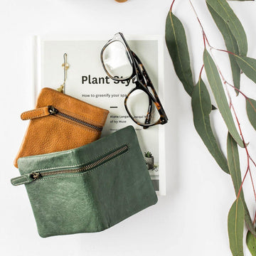 Dusky Robin - Carrie Purse - Dark Green