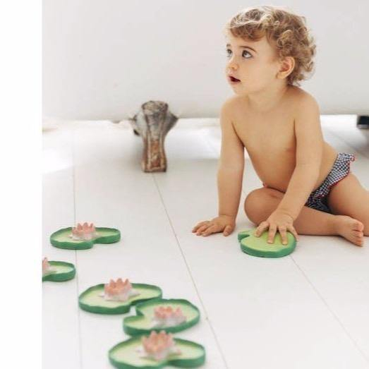 Oli and Carol Bath Toys - Water Lily