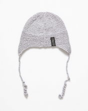 Load image into Gallery viewer, Silk fibre and alpaca wool hat
