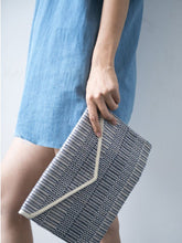 Load image into Gallery viewer, Dobi Clutch - Blue