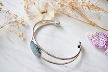 Load image into Gallery viewer, Real Dried Flowers and Resin Bracelet in Blue Party Mix