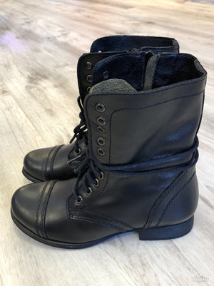 Steve Madden Troopa - Showroom56