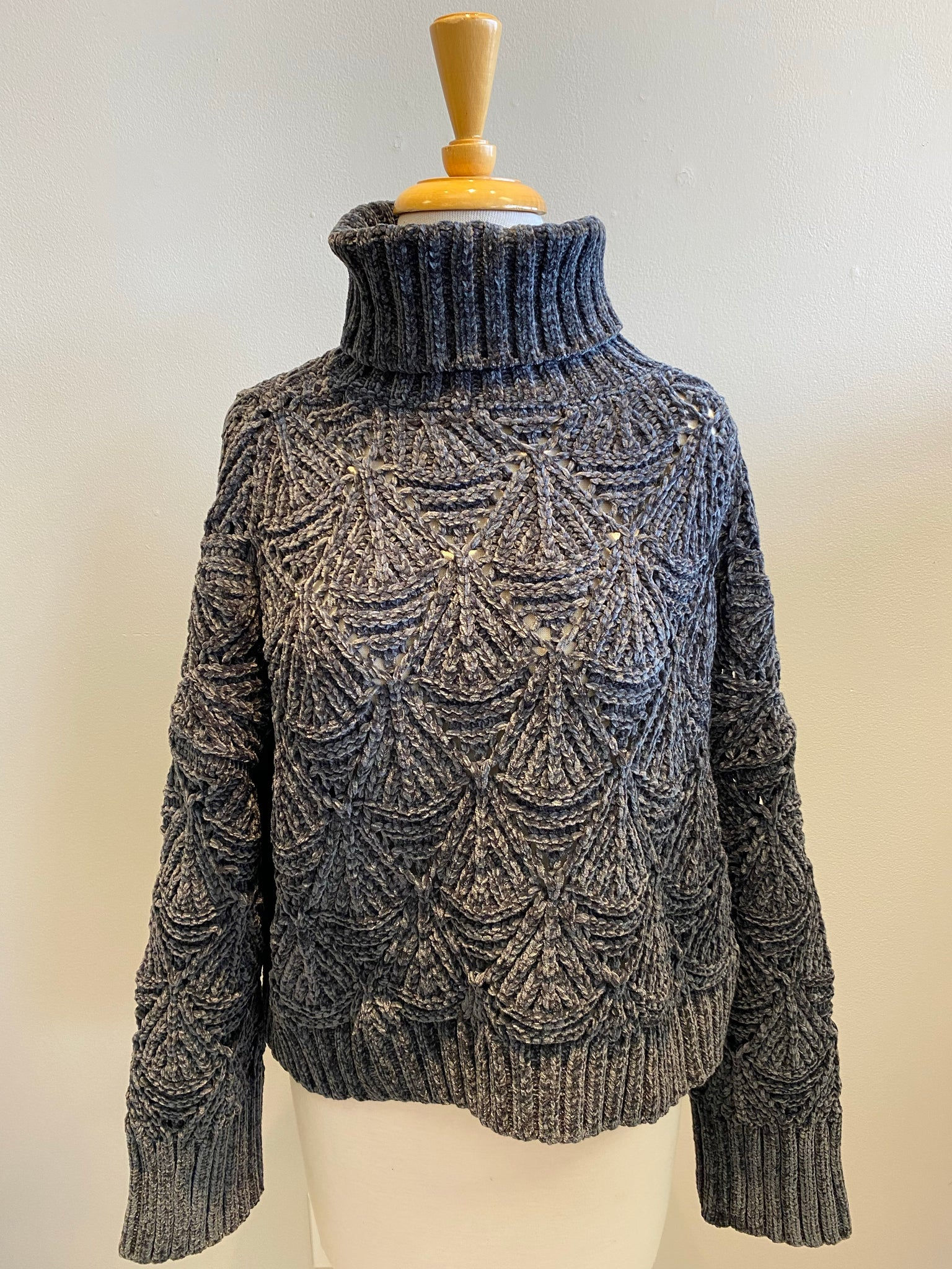 POL Woven Pattern Chenille Sweater - Showroom56
