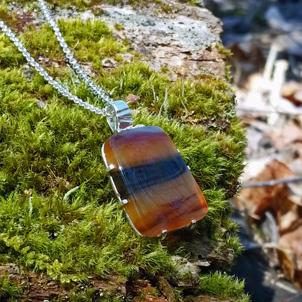 Agate On The Go Pendant