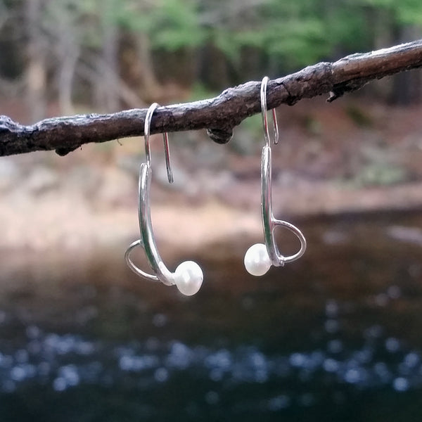 Offset Small Pearl Earrings