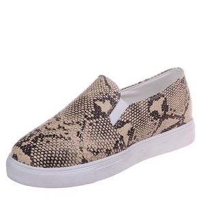 Buy Cheap Women Plus Size Slip-on Snakeskin Sneakers Casual Flat Heel Shoes Online - Supsandal