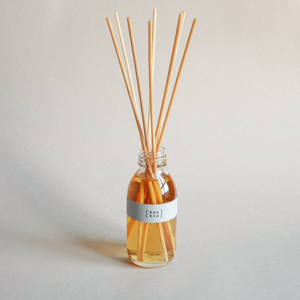 Load image into Gallery viewer, Kaskia miyabi reed diffuser, clear bottle